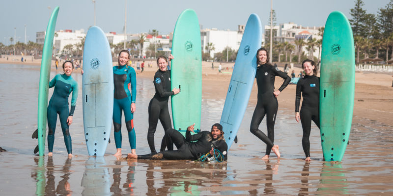 SURF LESSON WITH LOVING SURF