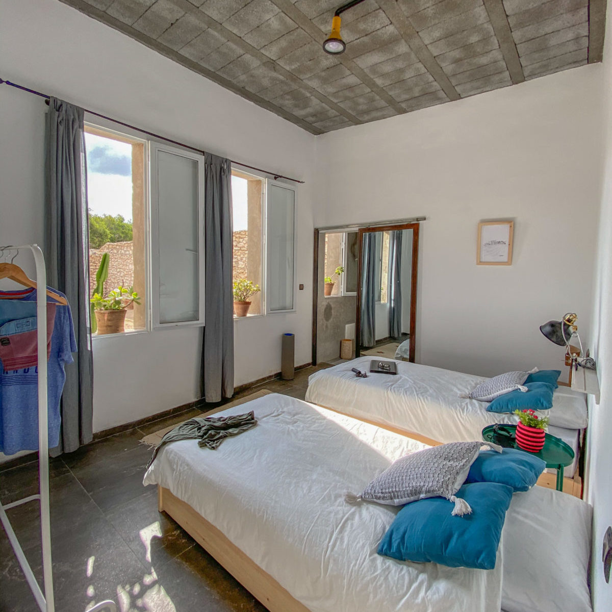 Twin bed room Lovingsurf house Essaouira
